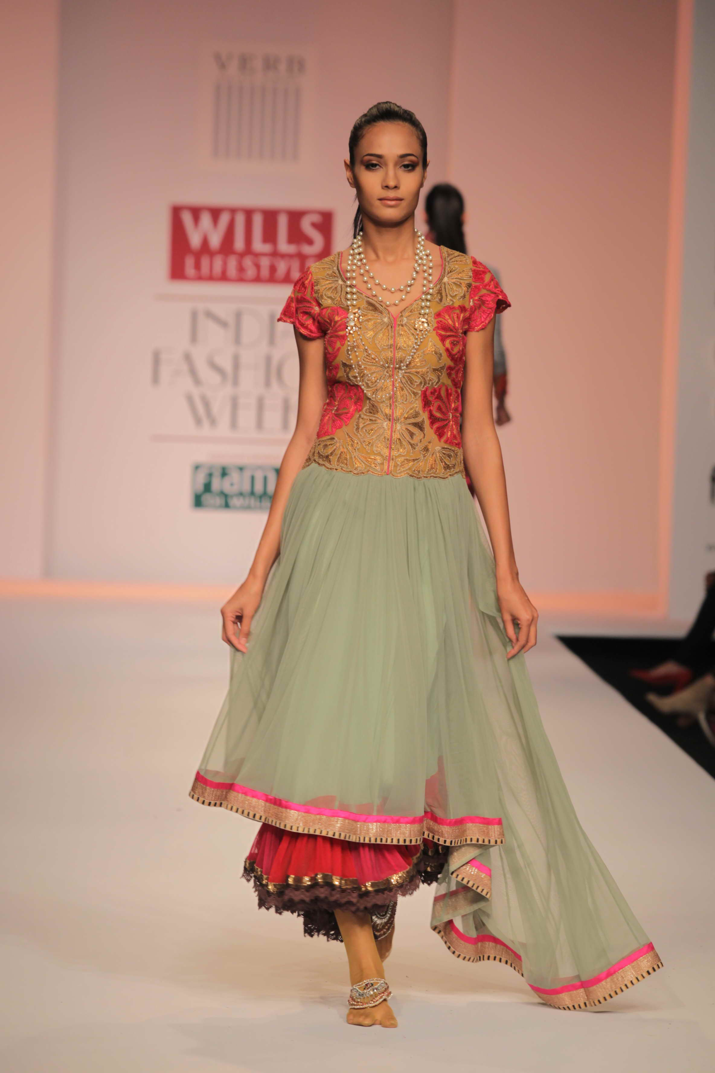 Style Trends At Wills Lifestyle India Fashion Week Wlifw The Borrow It Bindaas Scoop