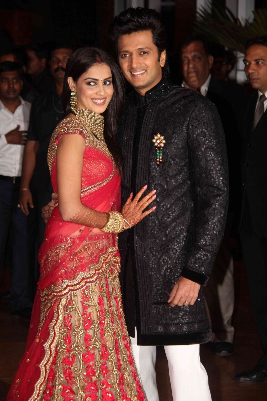 Tips For Dressing For At A Weddingreception The Borrow It Bindaas