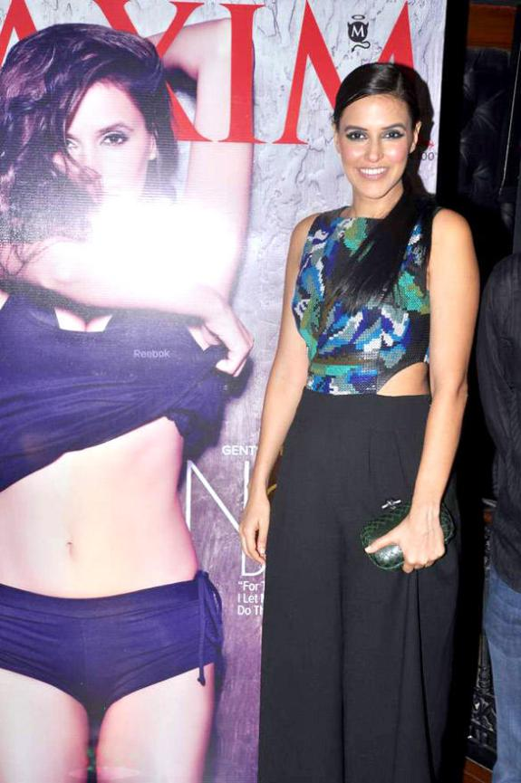 neha-wearing-fashion-designer-pankaj-and-nidhi-dress-maxim-artic-vodka-bash.blogspot