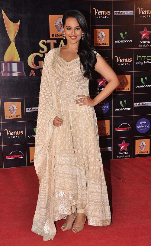Bollywood actress  Sonakshi Sinha at Star Guild Awards 2013 Yash Raj Studios at Andheri in Mumbai  (Photo : IANS)